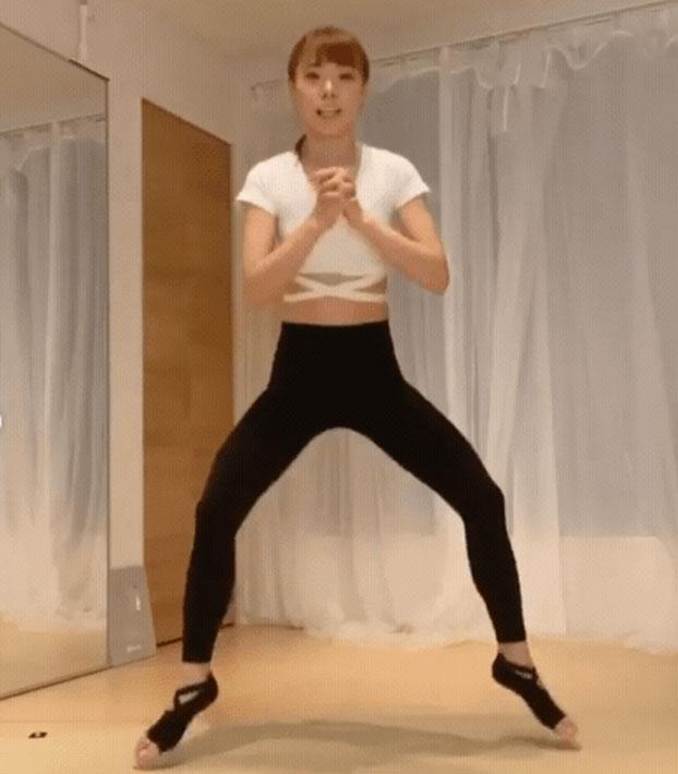 这样减肥最有效!日本女生教你深蹲姿势速成法 2周瘦臀瘦腿瘦全身
